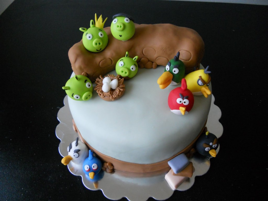 Angry Birds Cookie Cake
