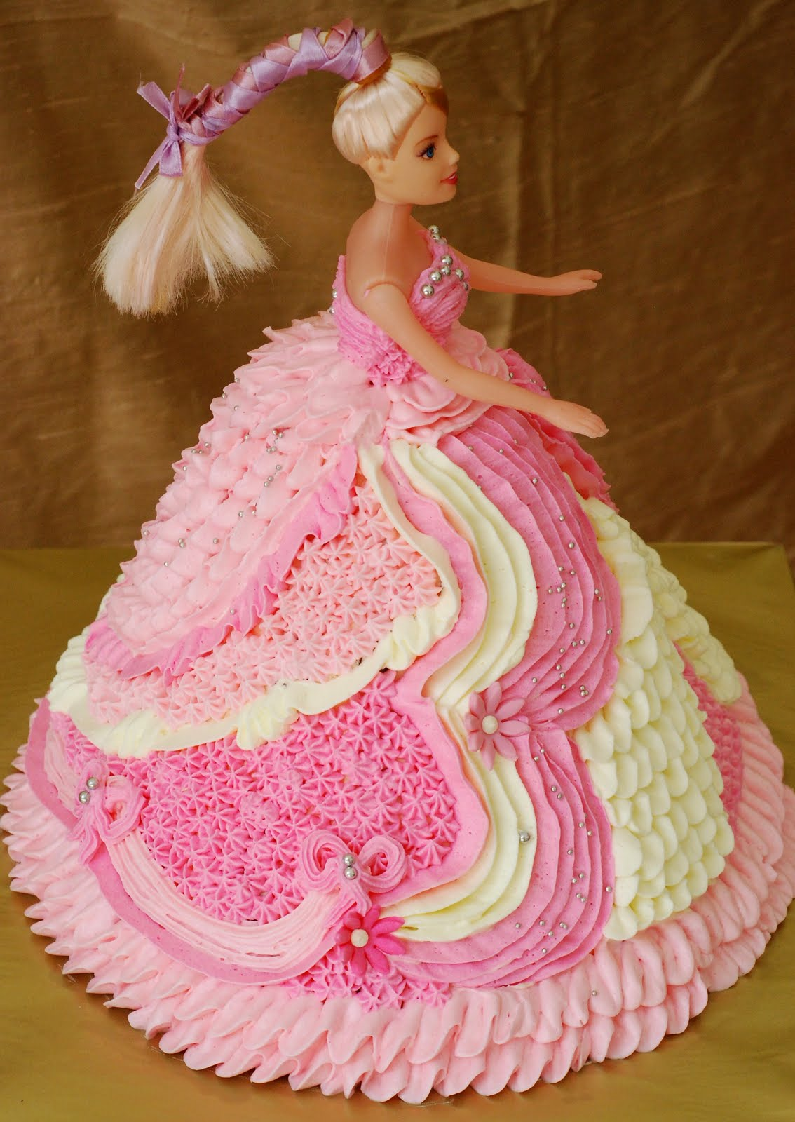 Images Of A Barbie Cake : Barbie Cakes   Decoration Ideas Little Birthday Cakes