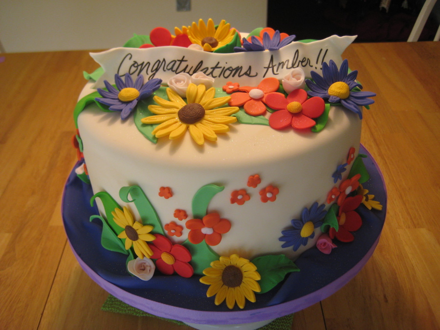 Images Of Birthday Cake And Flowers : Flower Cakes   Decoration Ideas Little Birthday Cakes