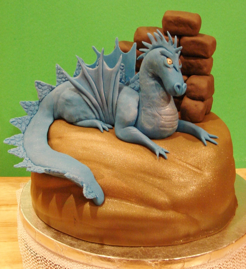Dragon Cakes Decoration Ideas Little Birthday Cakes