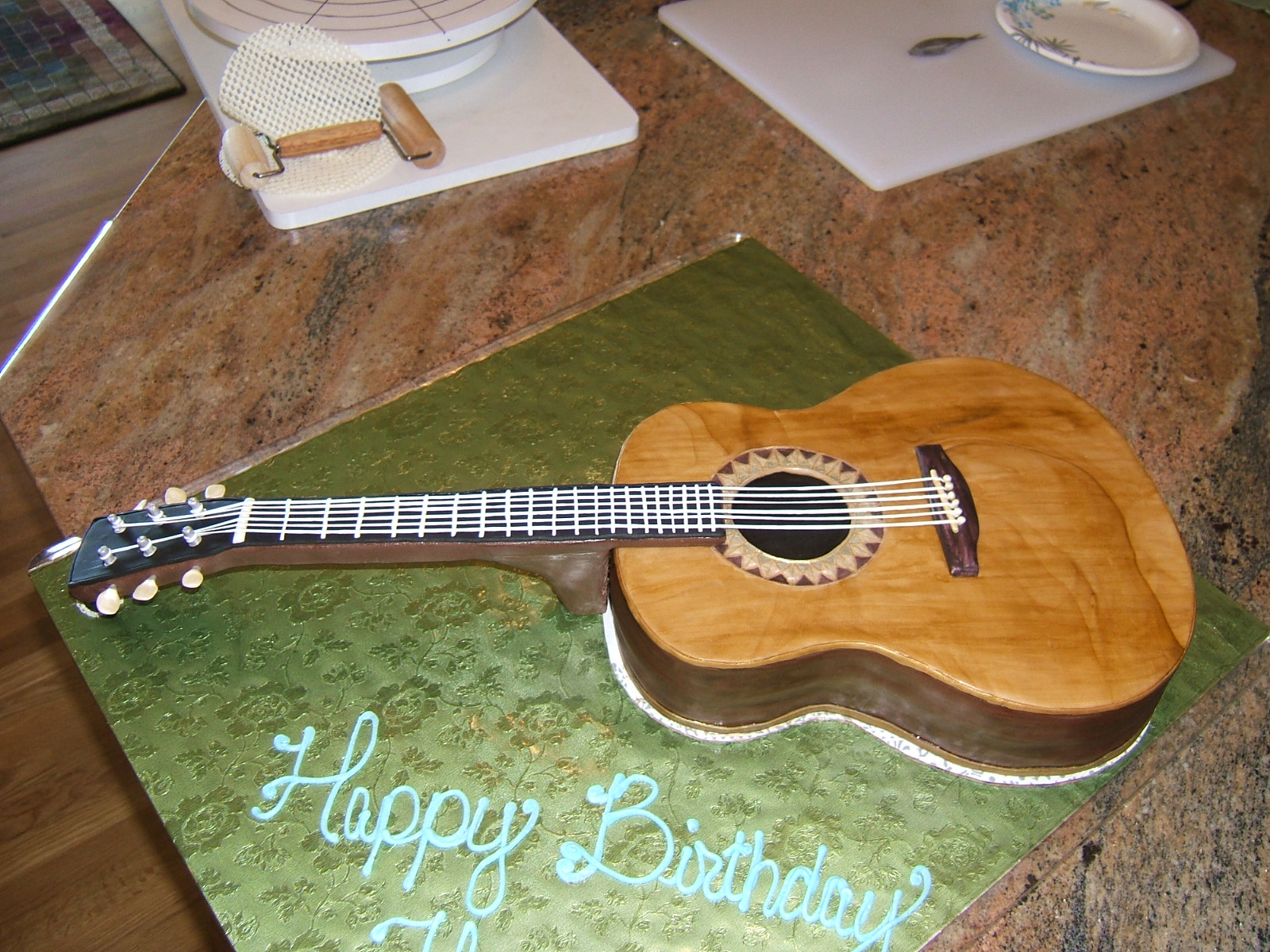 Guitar cakes decoration ideas little birthday cakes for Acoustic guitar decoration