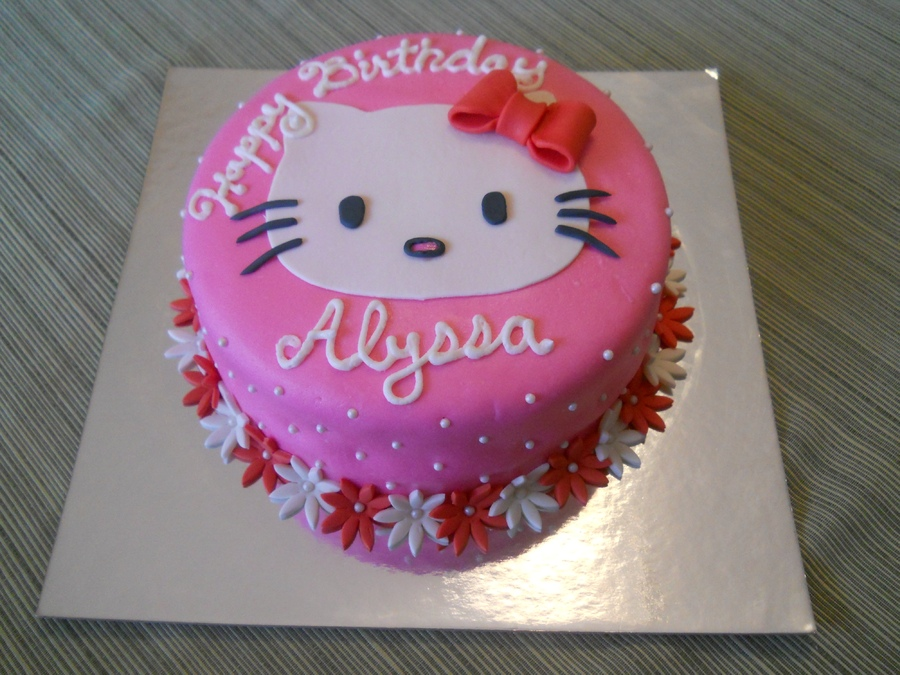 Hello Kitty Birthday Cakes Pictures