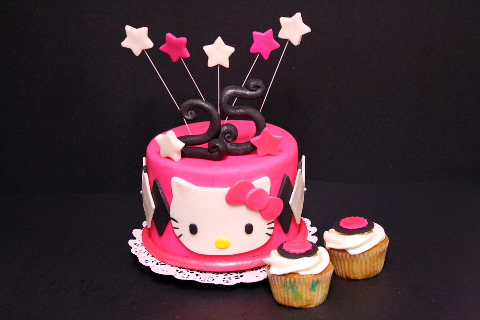 Hello Kitty Cake Photos