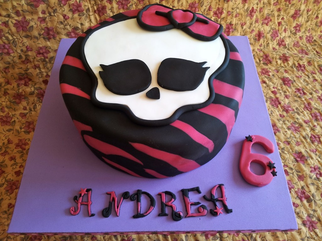 Images of Monster High Birthday Cakes