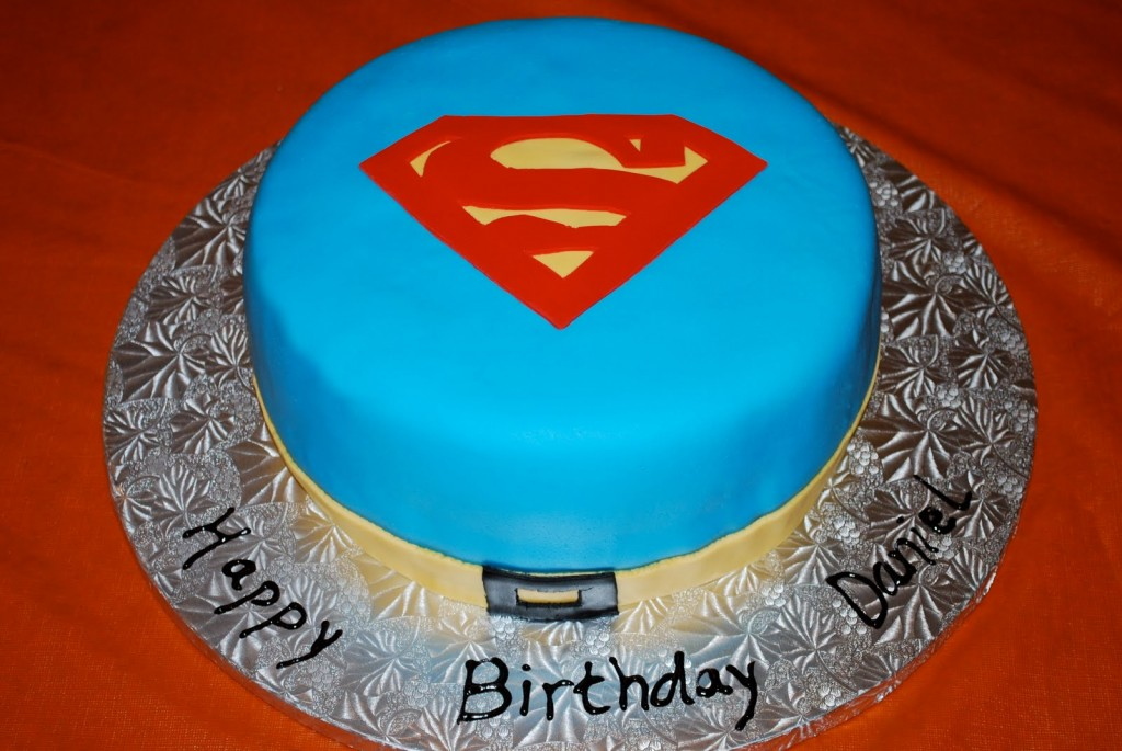 Images of Superman Cakes