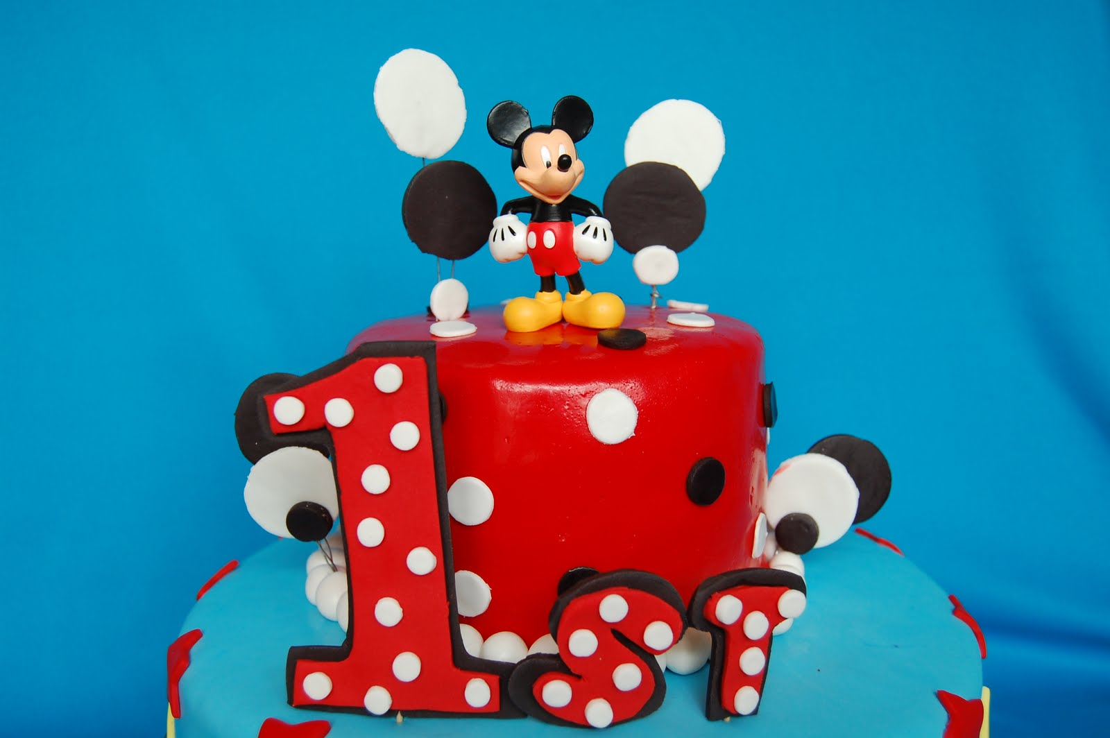 Cake Design Mickey Mouse : Mickey Mouse Cake   Decoration Ideas Little Birthday Cakes