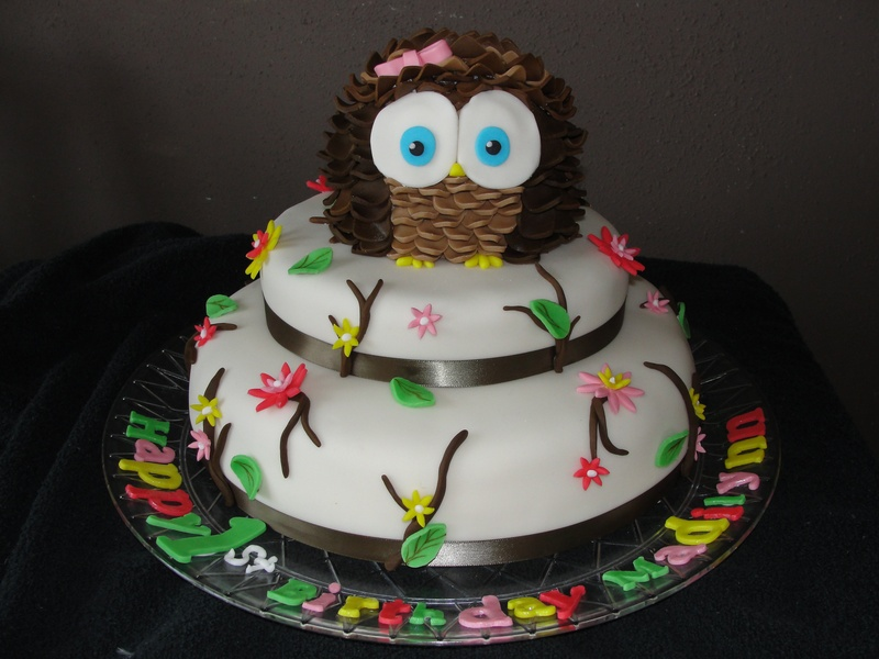 Owl Cake Decoration