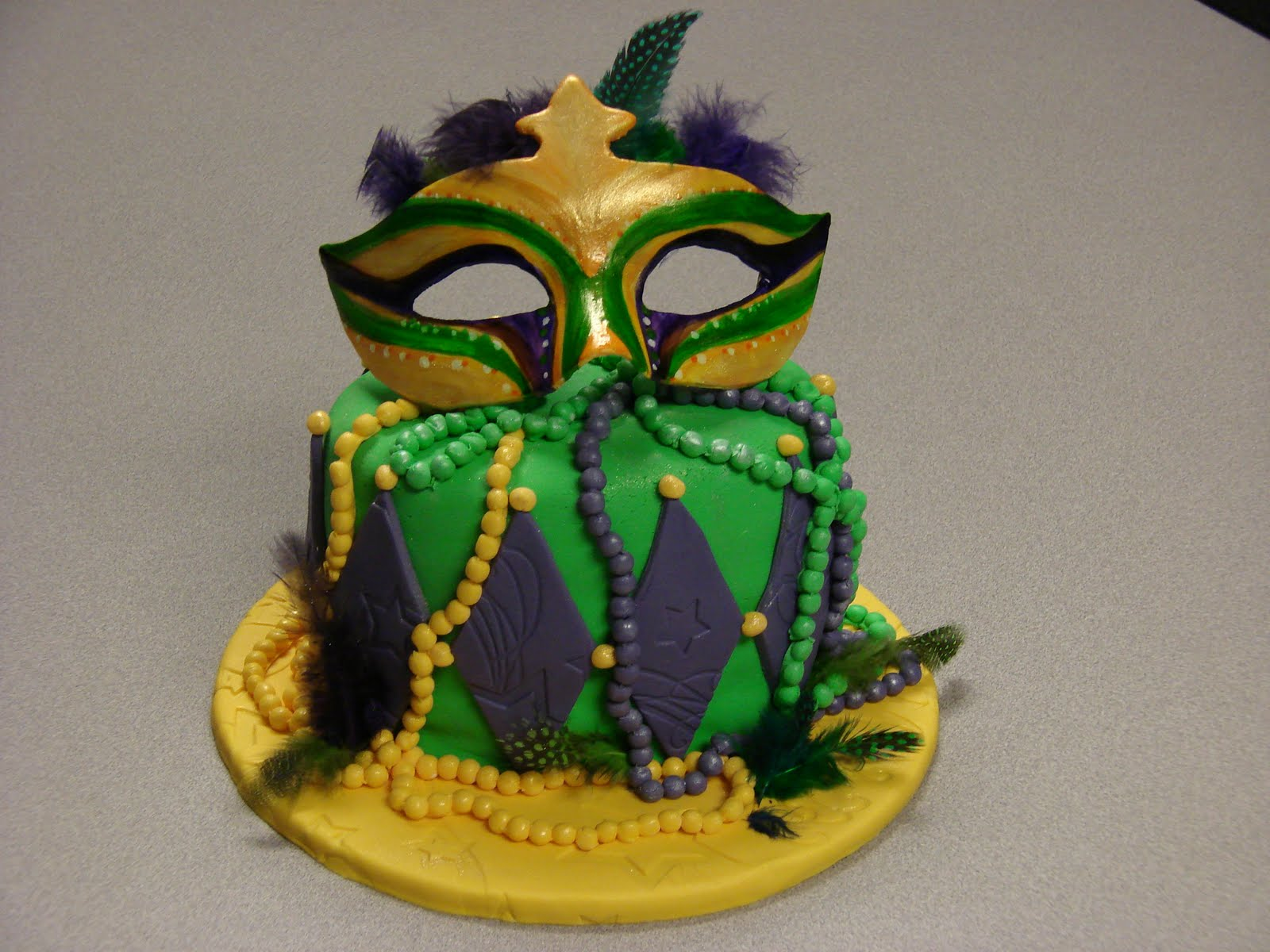 Mardi Gras Cakes Decoration Ideas