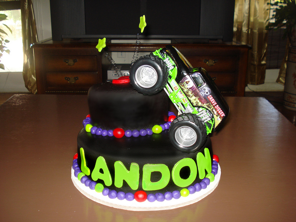 Photos of Monster Truck Cake
