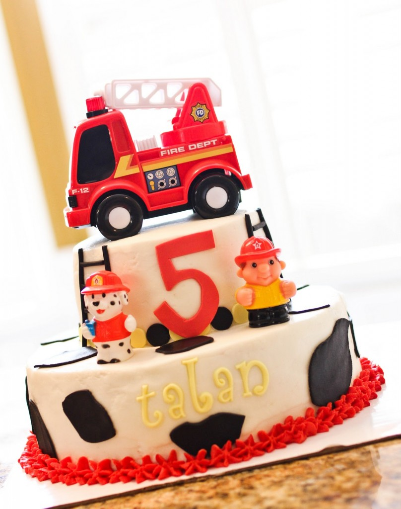 Pictures of Fire Truck Cakes