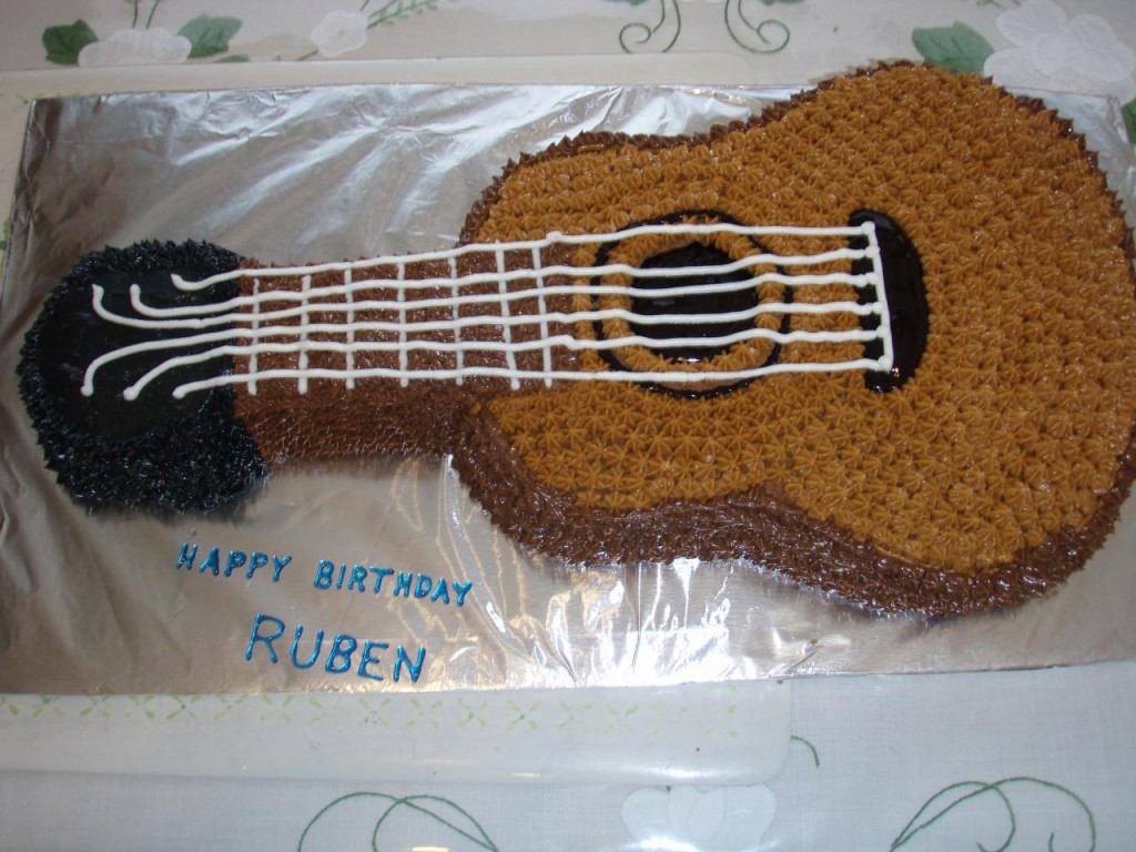 Pictures of Guitar Cakes