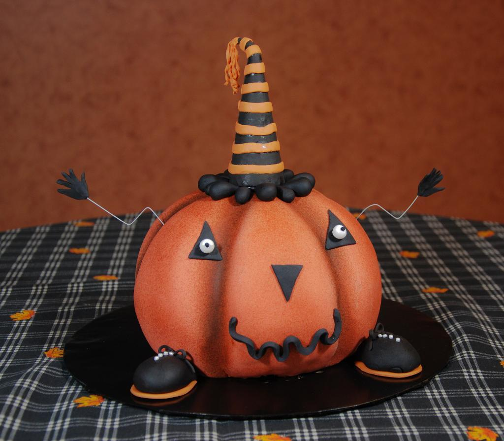 Halloween Birthday Cake Decorating Ideas : Halloween Cakes   Decoration Ideas Little Birthday Cakes