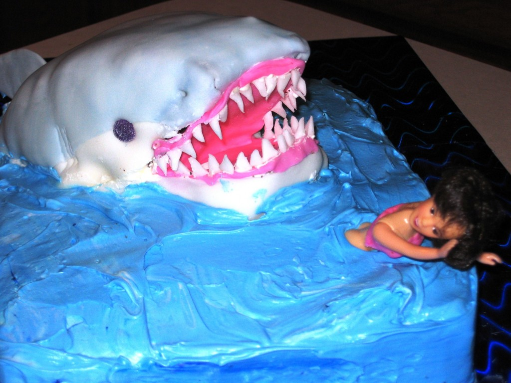 Cake Decorating Ideas Shark : Shark Cakes   Decoration Ideas Little Birthday Cakes