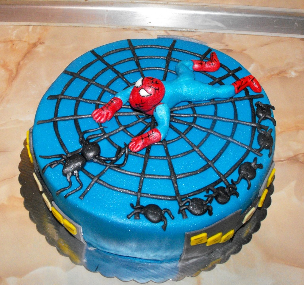 Spiderman Web Cake