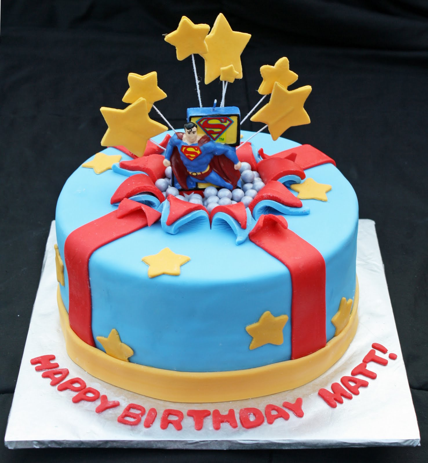 Superman Cakes Decoration Ideas