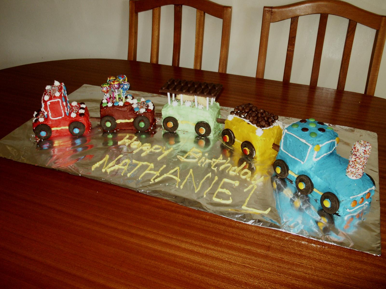 Train Cakes – Decoration Ideas   Little Birthday Cakes