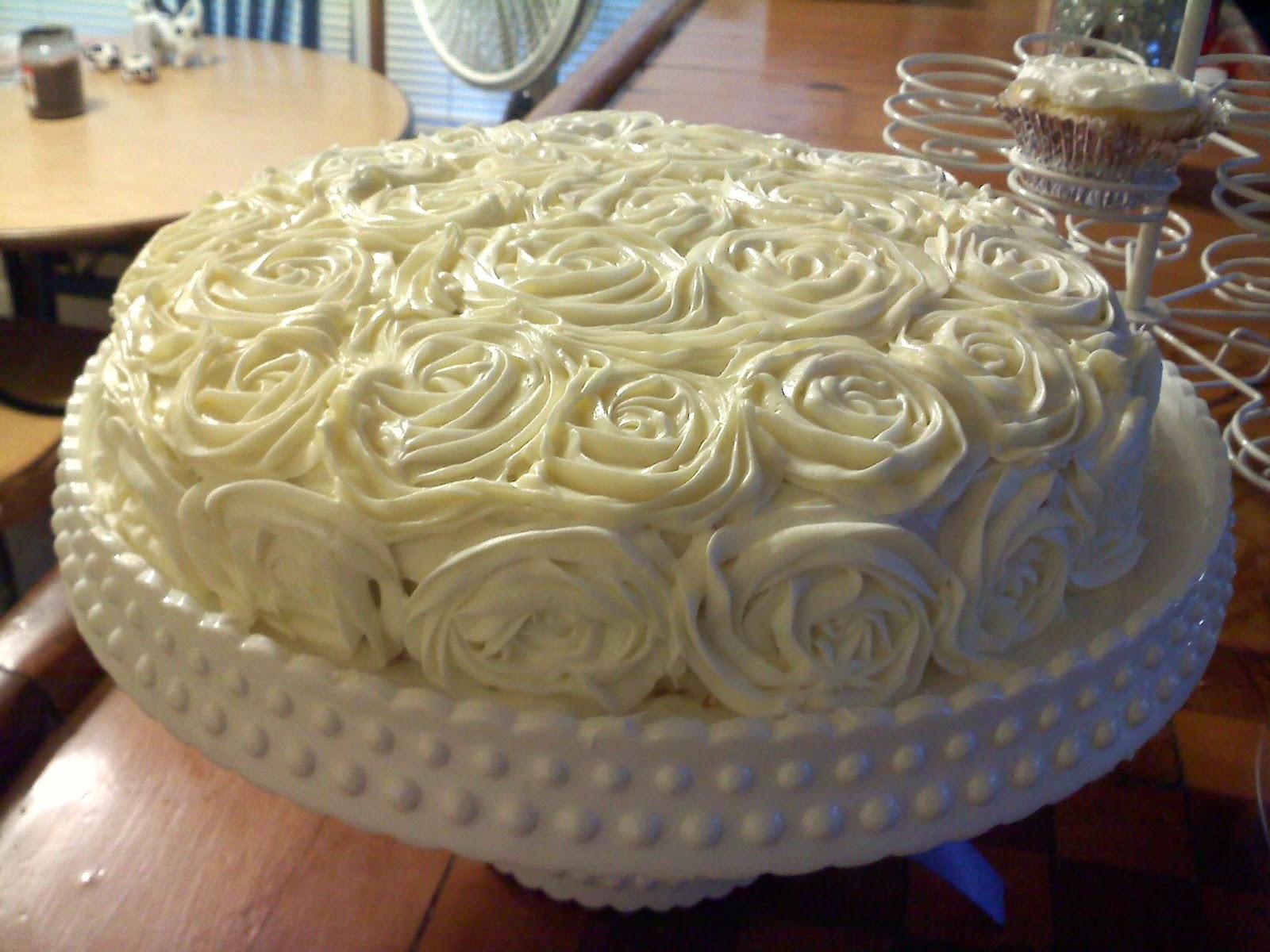 Flower cakes decoration ideas little birthday cakes white flower cake mightylinksfo