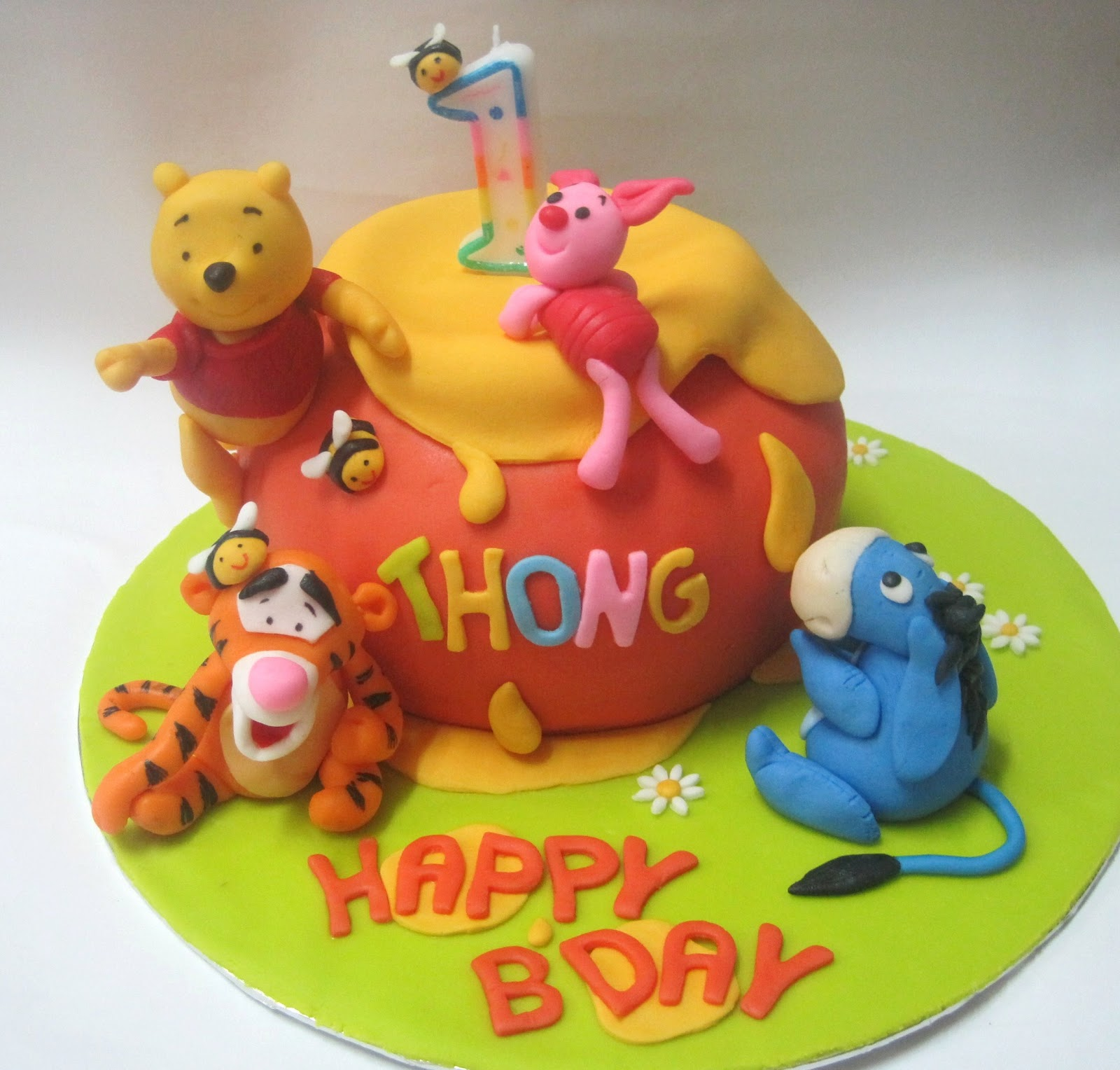 Winnie The Pooh And Friends Cake Pops