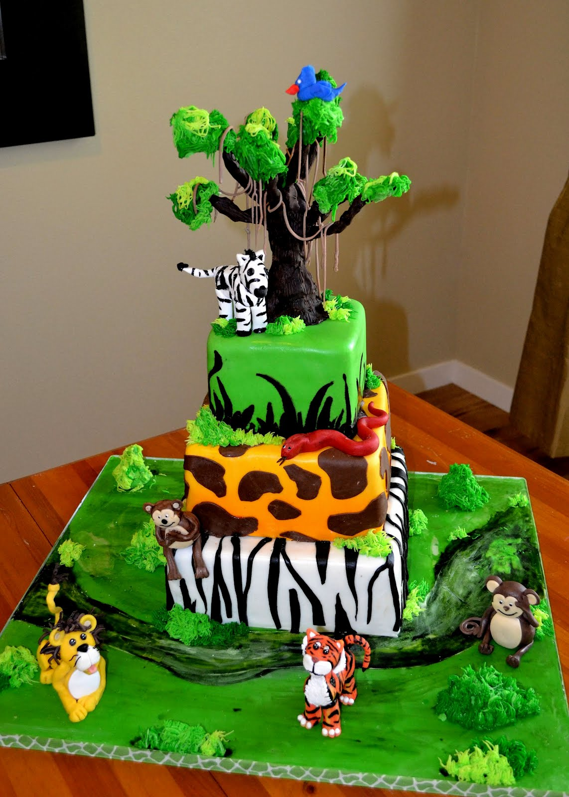 Jungle Cake Decoration Ideas : Safari Cakes   Decoration Ideas Little Birthday Cakes