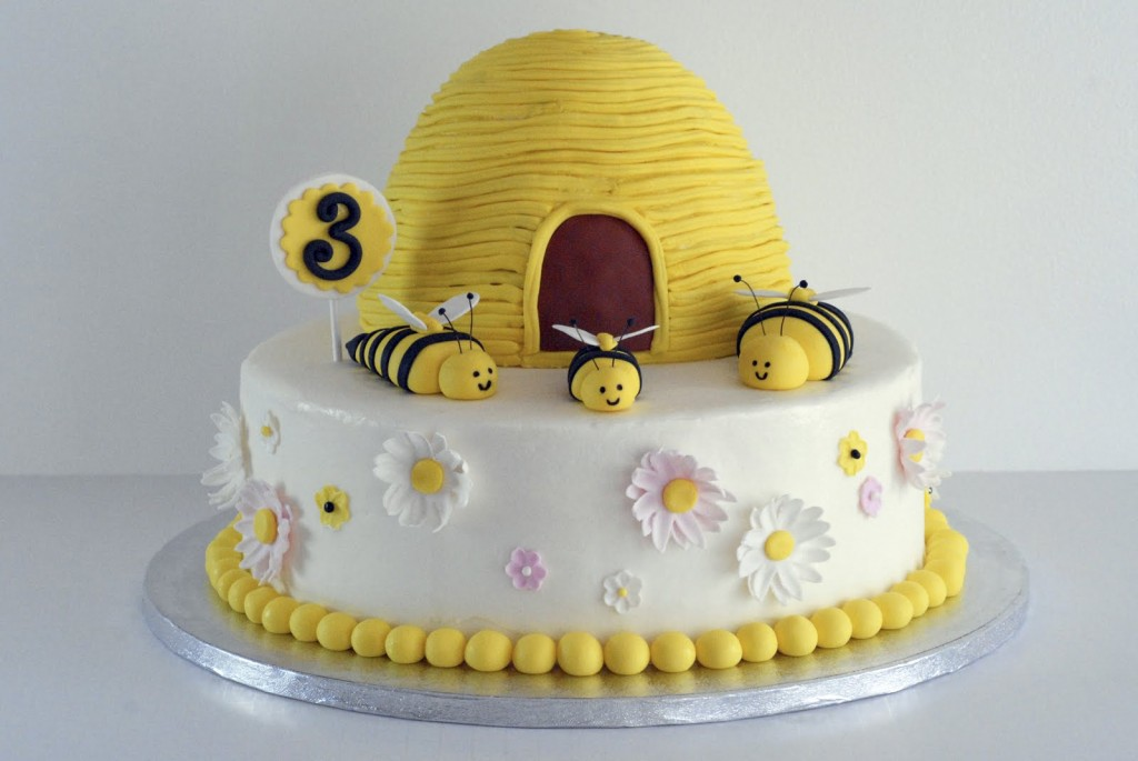 Bumble Bee Birthday Cake