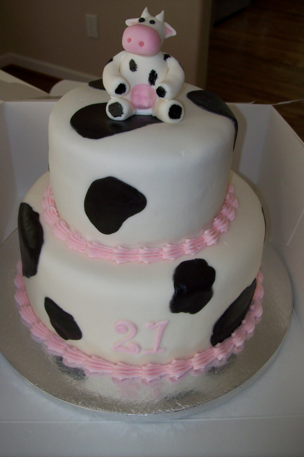 Birthday Cake Images With Photo : Cow Cakes   Decoration Ideas Little Birthday Cakes