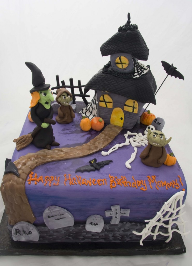 Haunted House Halloween Cakes