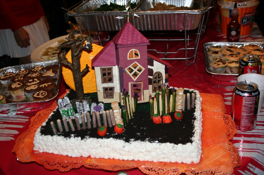 Haunted House Cakes Designs