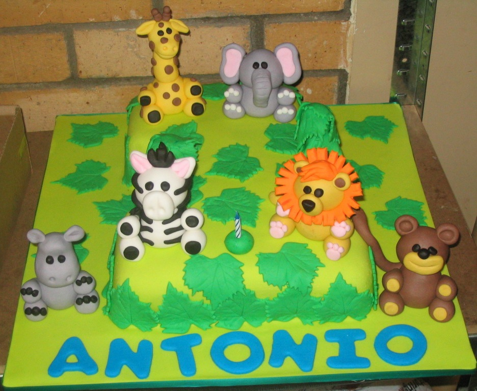 Jungle cakes decoration ideas little birthday cakes for Animal cake decoration