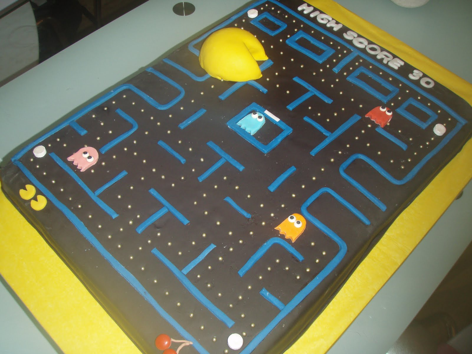 Pacman Cake Decorations