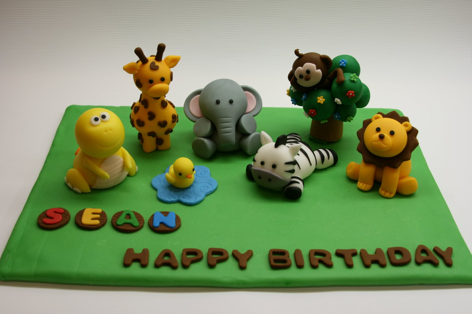 Safari cakes decoration ideas little birthday cakes for Animal cake decoration