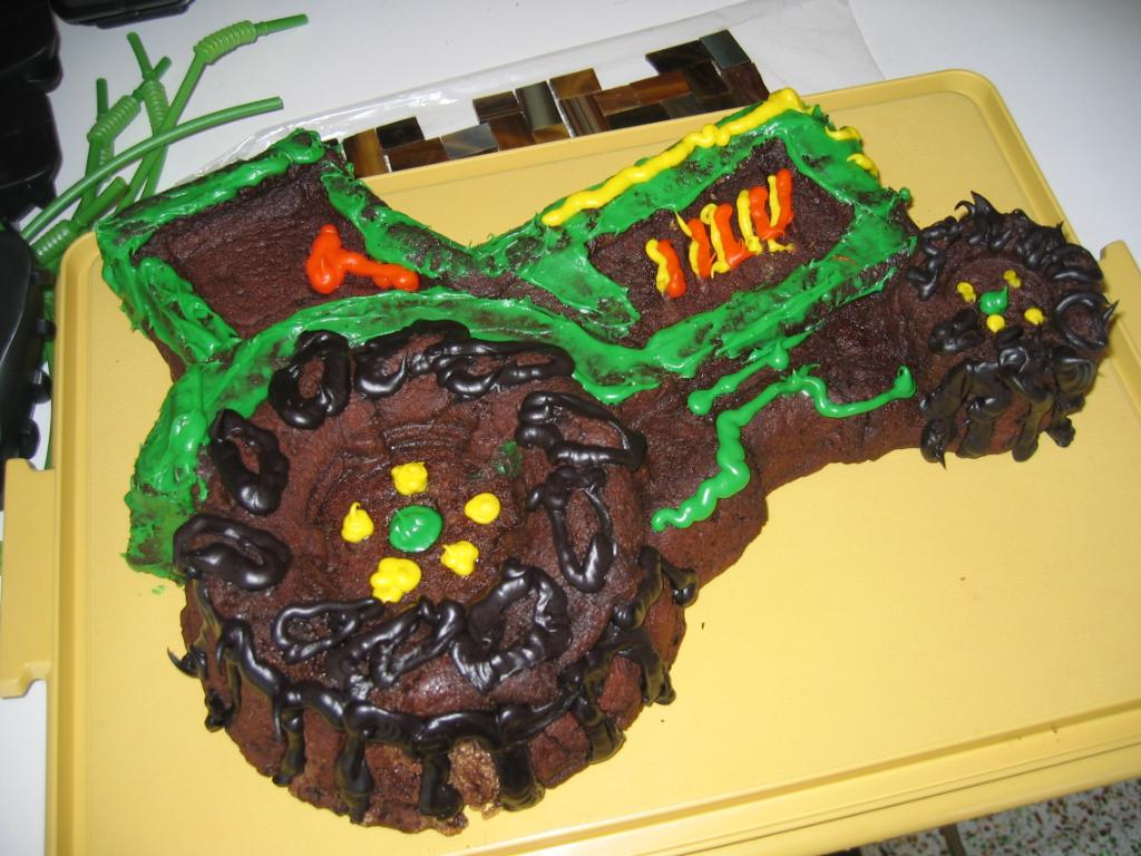Tractor Cake Pan : Tractor cakes decoration ideas little birthday