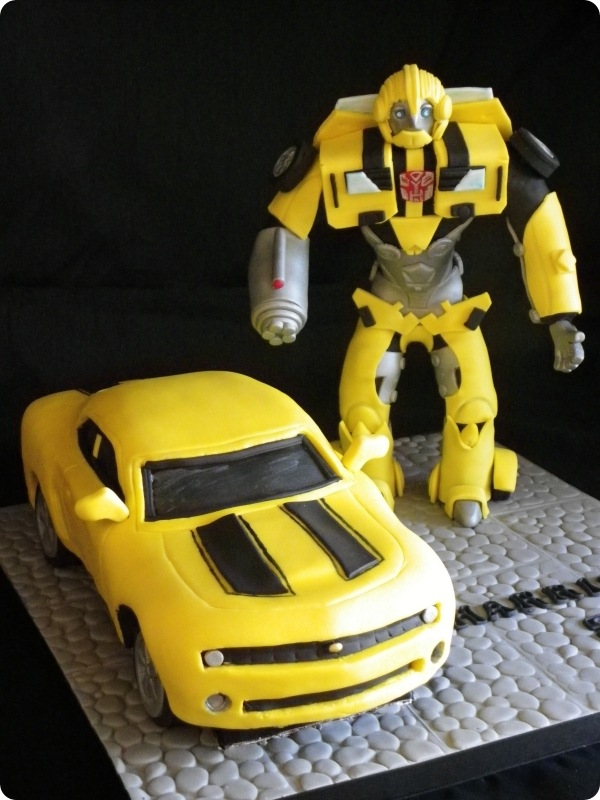 Images Of Bumblebee Transformer Cake