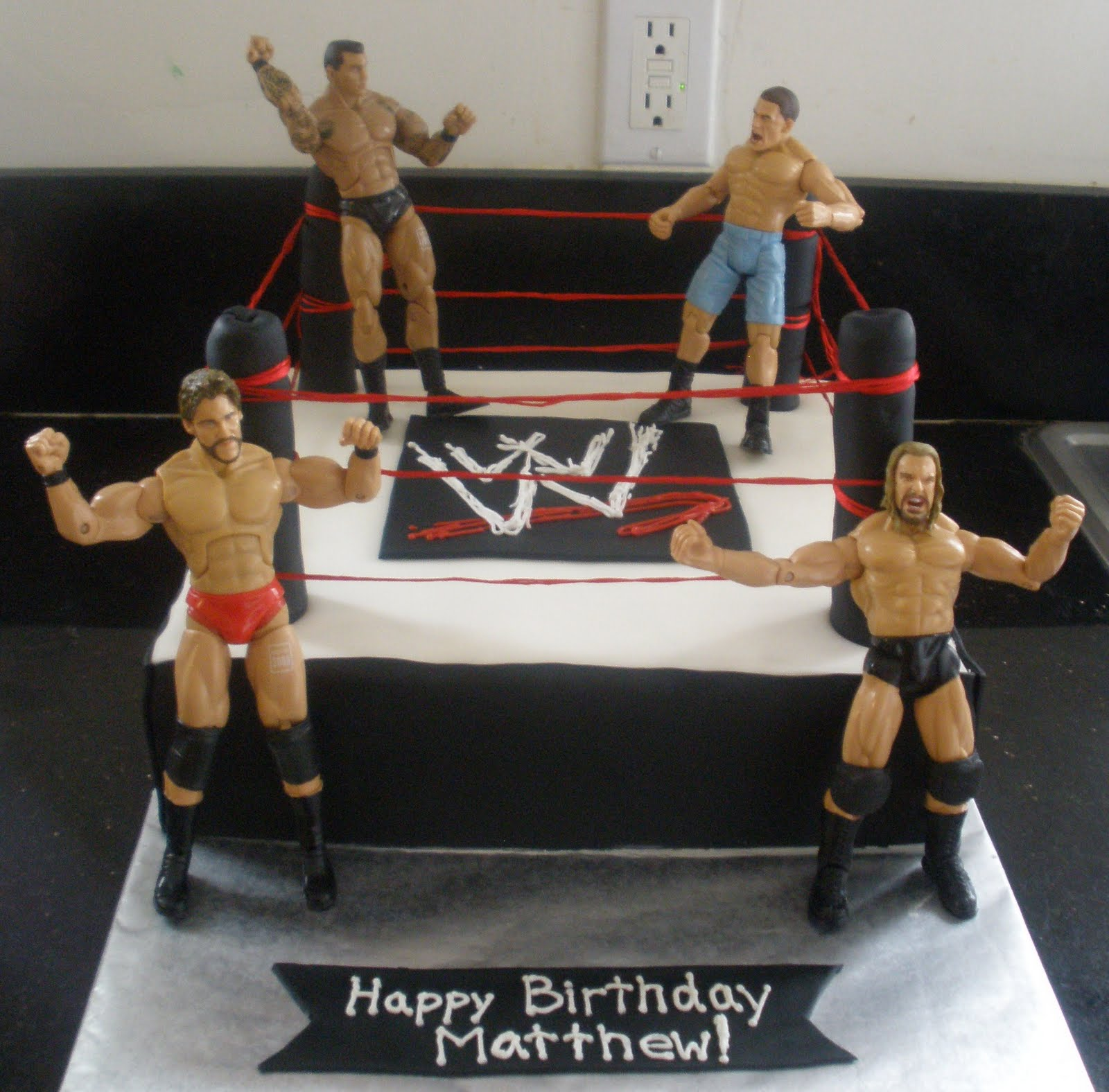 How To Make The Ropes On A Wrestling Ring Cake