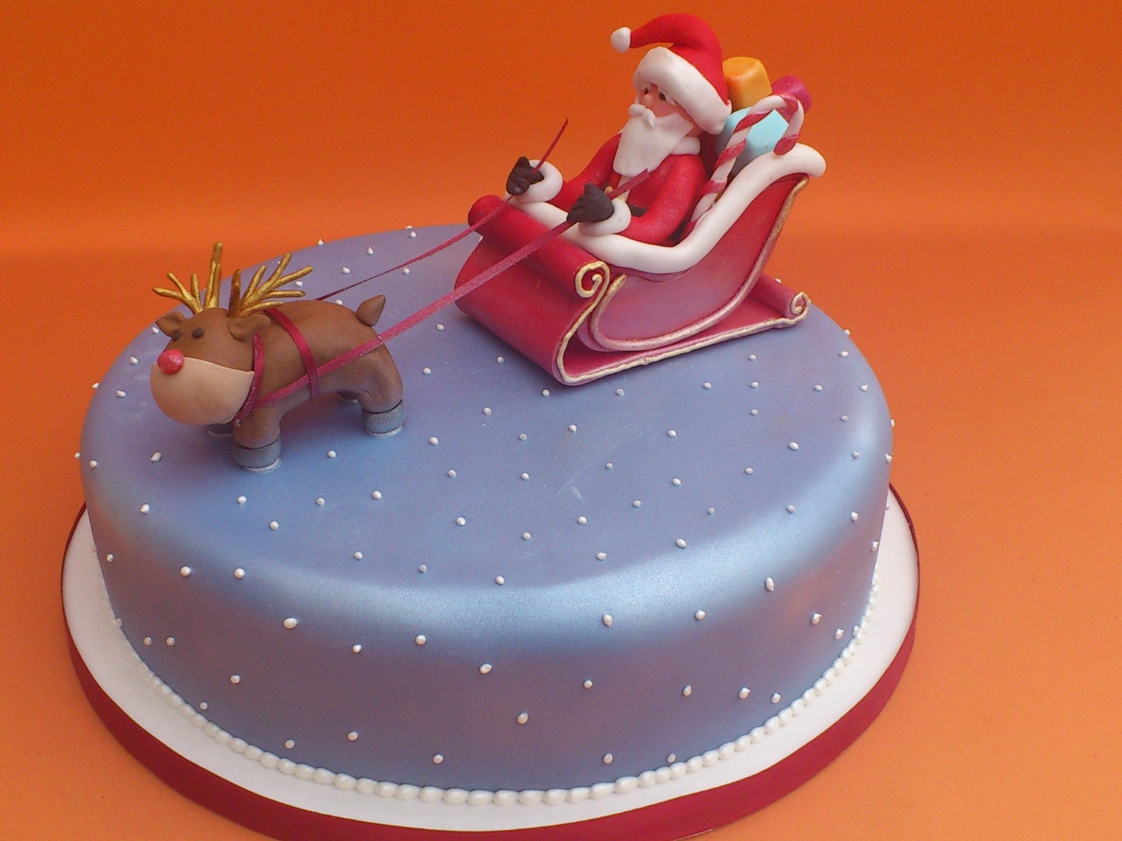 How to make a father christmas cake decoration - Easy Christmas Cakes