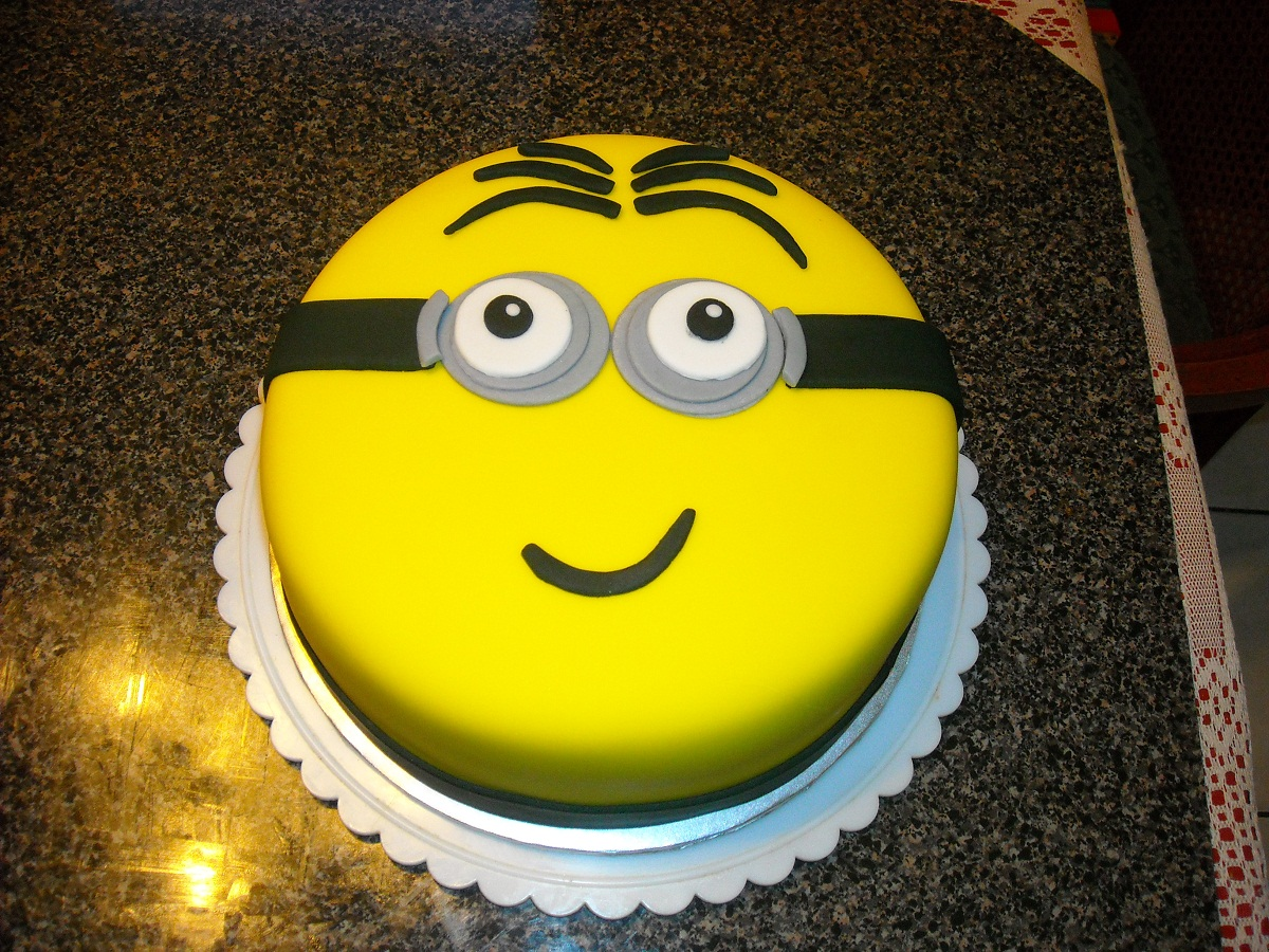 Minion Fondant Cake Ideas