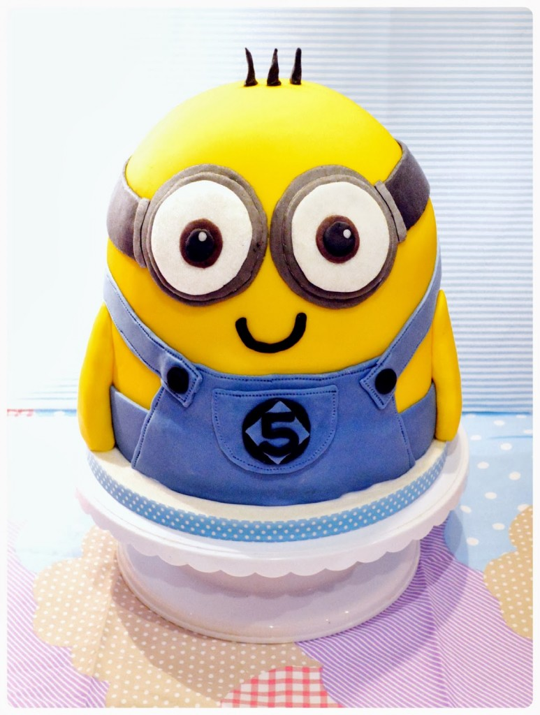Minion Cake Decoration Ideas