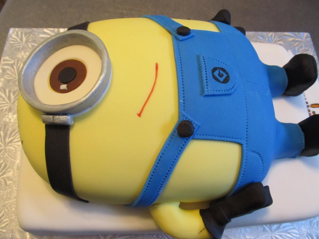 Minion Cake Decorating Tutorial