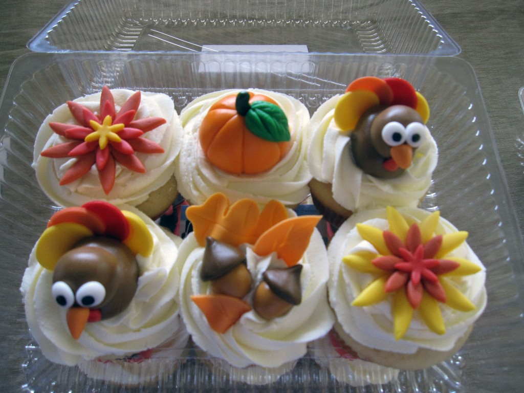 Thanksgiving Cakes and Cupcakes