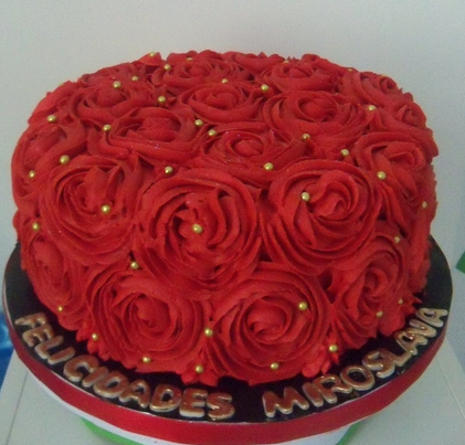 Cake Ideas With Red Roses : Big red cake   Decoration ideas Little Birthday Cakes