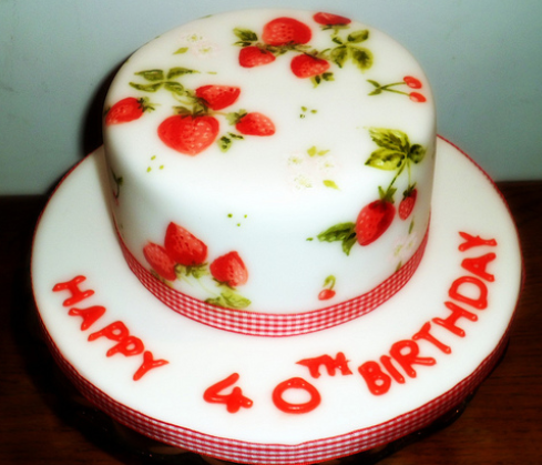 Strawberry cake Decoration ideas Little Birthday Cakes