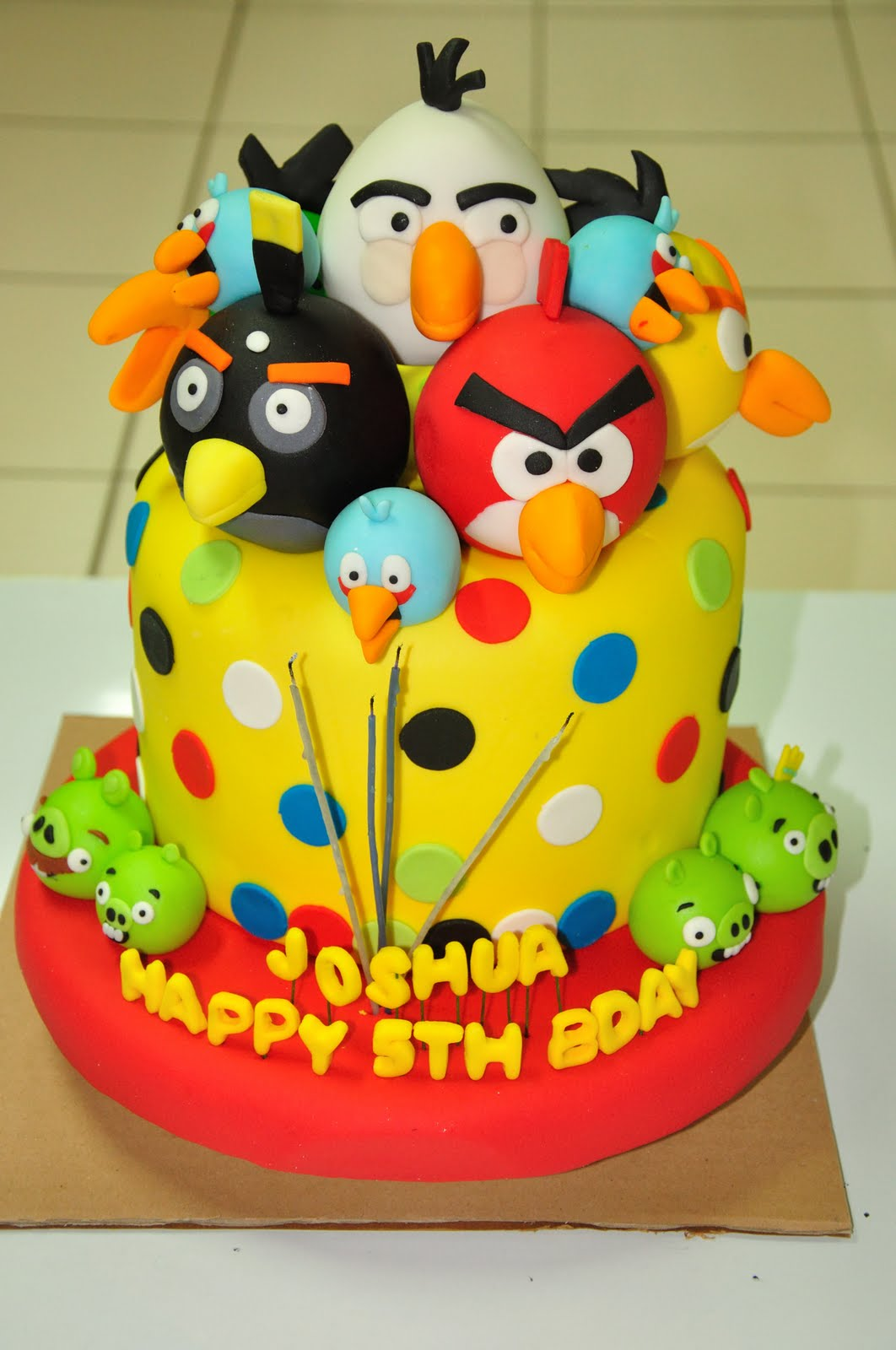 Awesome Angry Birds Cakes Decoration Ideas Little Birthday Cakes Personalised Birthday Cards Cominlily Jamesorg