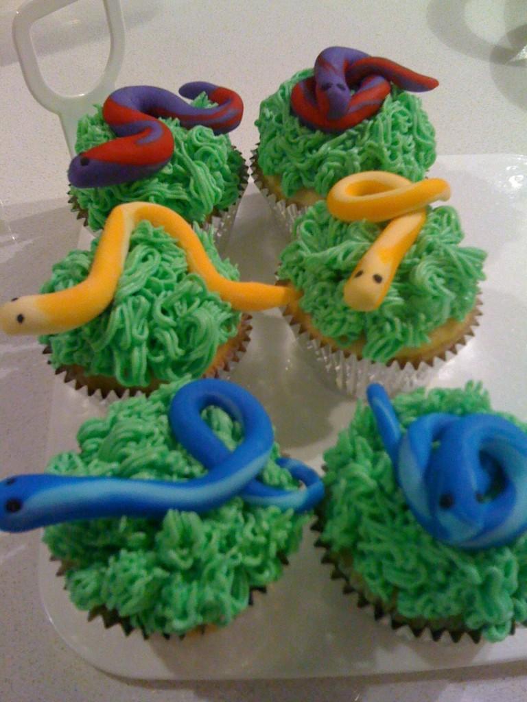 Cupcake Snake Cake