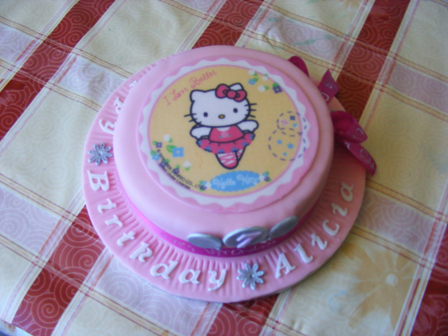 Hello Kitty Cake Designs