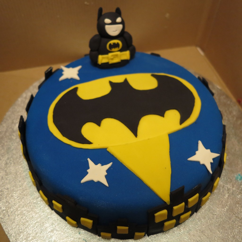 Images of Batman Birthday Cakes