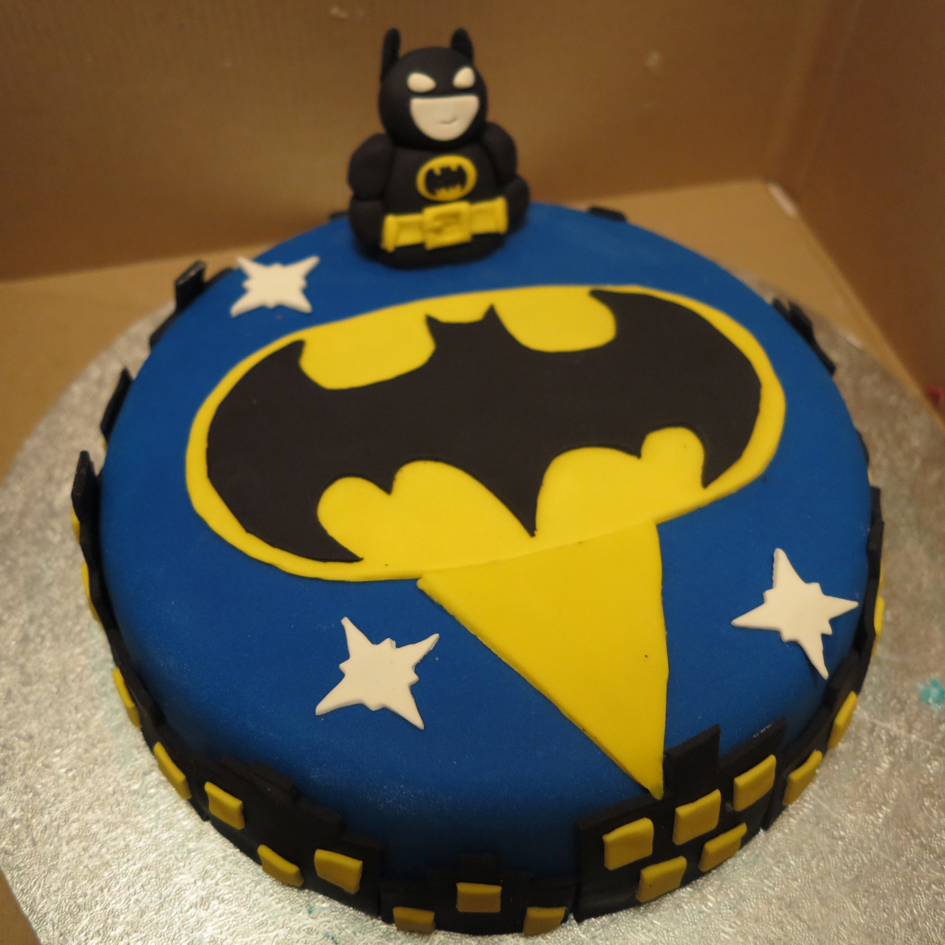 Peachy Batman Cakes Decoration Ideas Little Birthday Cakes Funny Birthday Cards Online Elaedamsfinfo