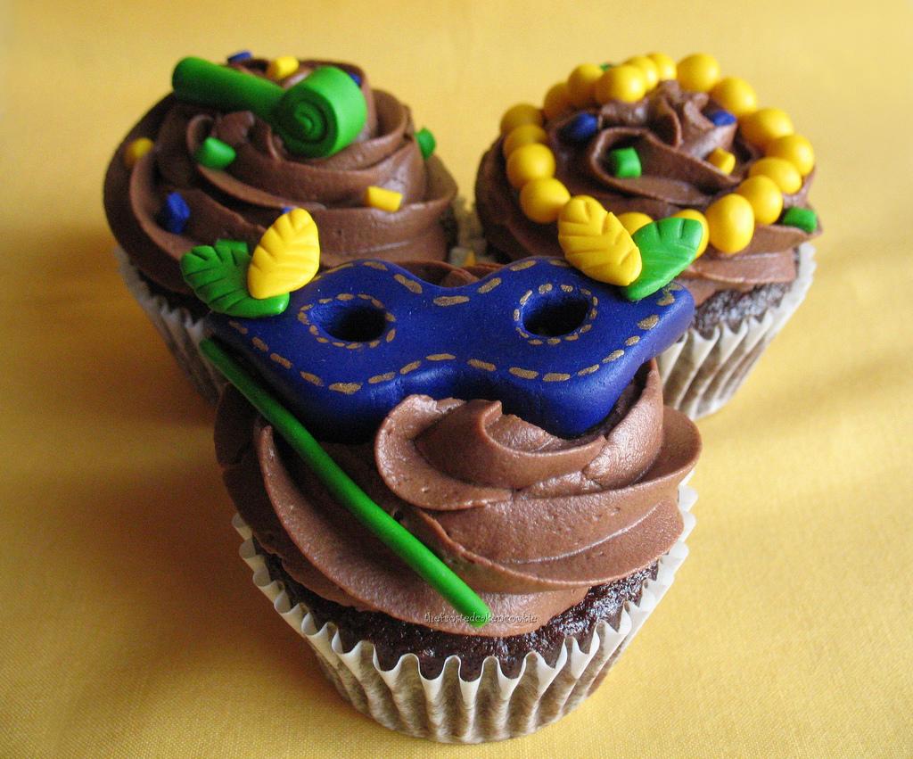 Mardi Gras Cake Designs