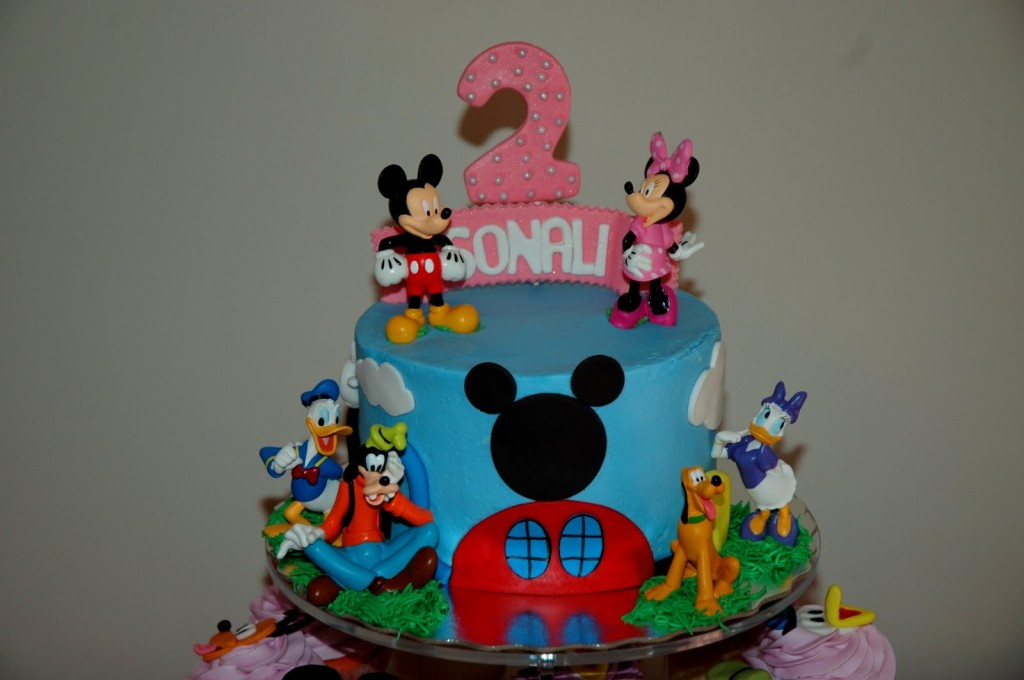Mickey and Minnie Mouse Cake