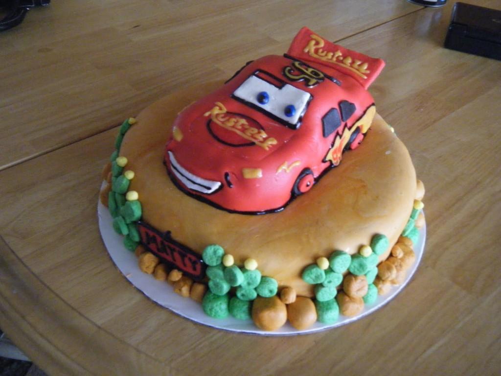 Photos of Lightning Mcqueen Cakes