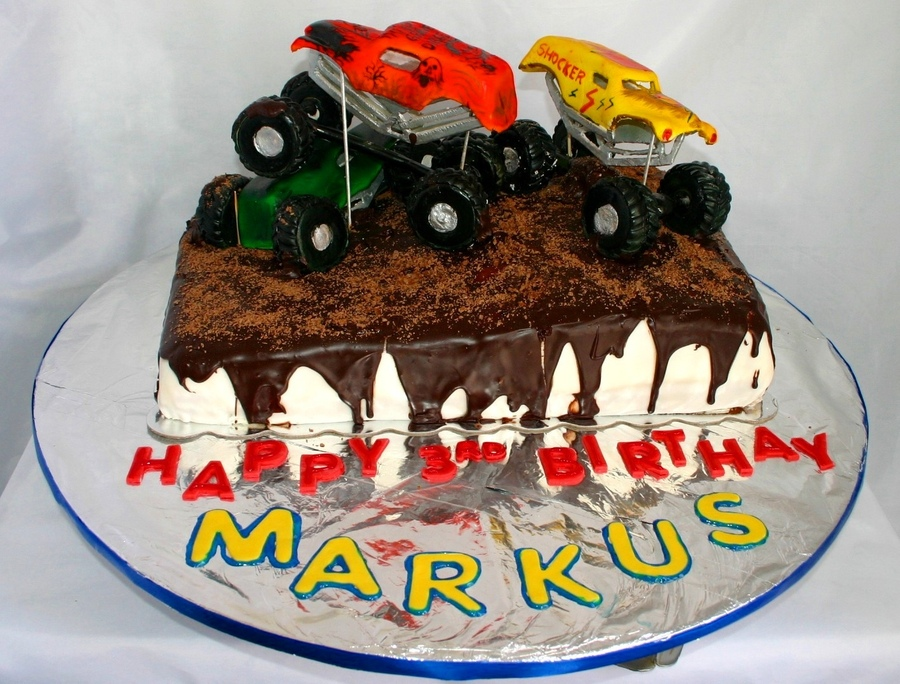Photos of Monster Truck Cakes