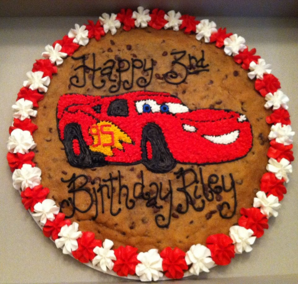 Pictures of Lightning Mcqueen Cake